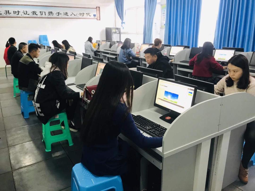锤炼素质 展示风采——2020年筠连县美术教师基本功大赛顺利举行2.png